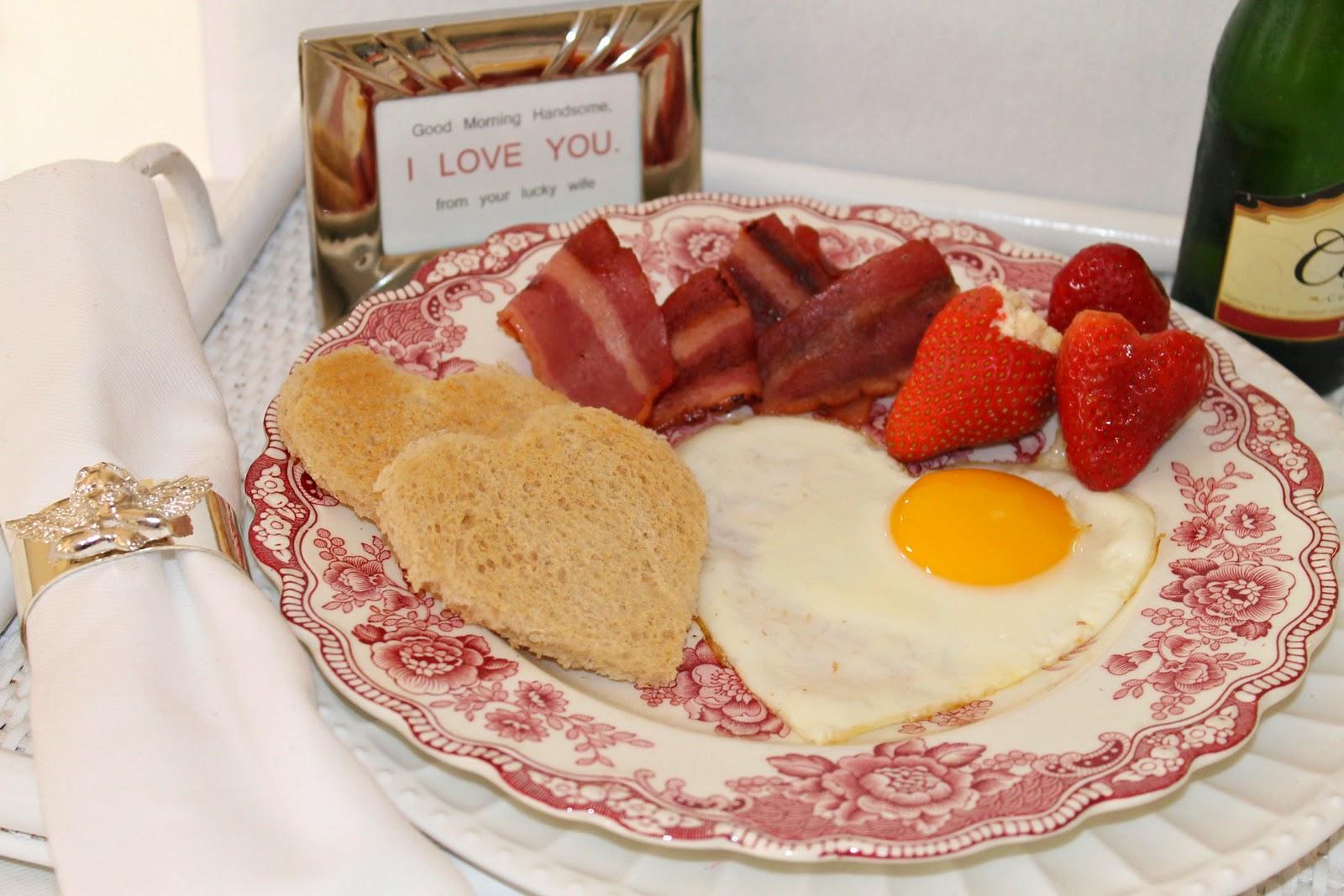 Romantic Breakfast in Bed Ideas