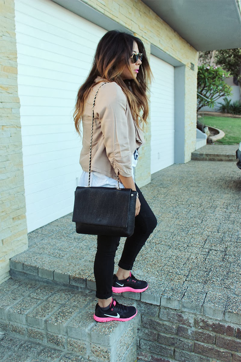nike sneakers ootd, nike fashion blogger, nike fashion ootd, nike outfit fashion, new york chic, ombre curls hair, pink waterfall blazer, black skinny pants, cape town fashion blogger, mac candy yum yum
