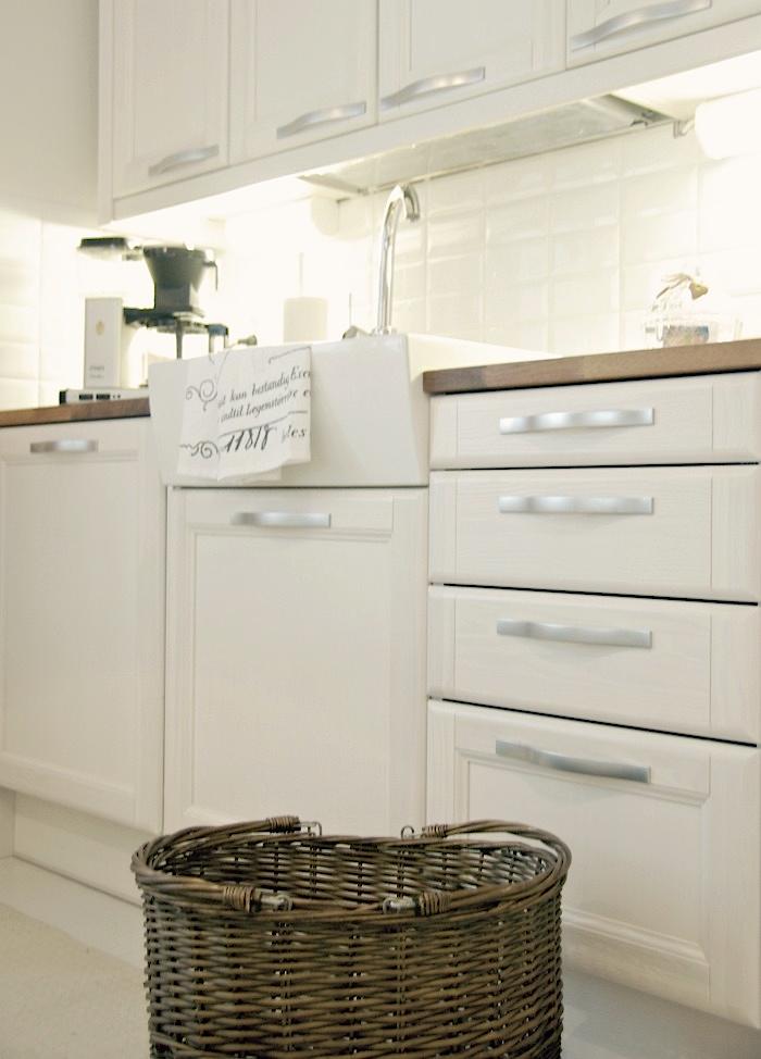 Tarja's Snowland Rintamamiestalon uusi ja valoisa keittiö  An old house