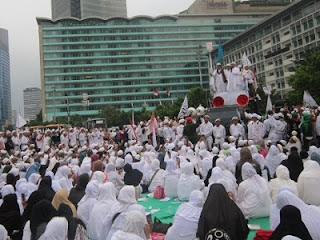 Aksi Forum Umat Islam (FUI)