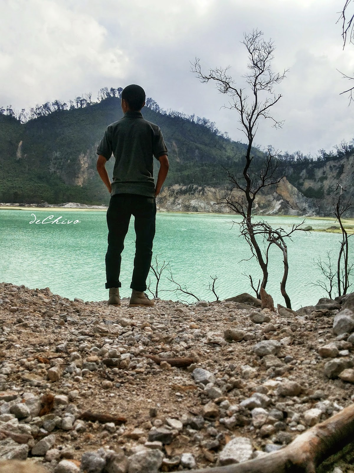 Paul de Chivo_Kawah Putih_Ciwidey_Bandung_Liburan_Backpacking
