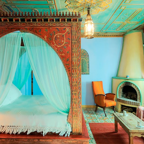 Moon to moon moroccan bedroom interiors for Moroccan bedroom decor