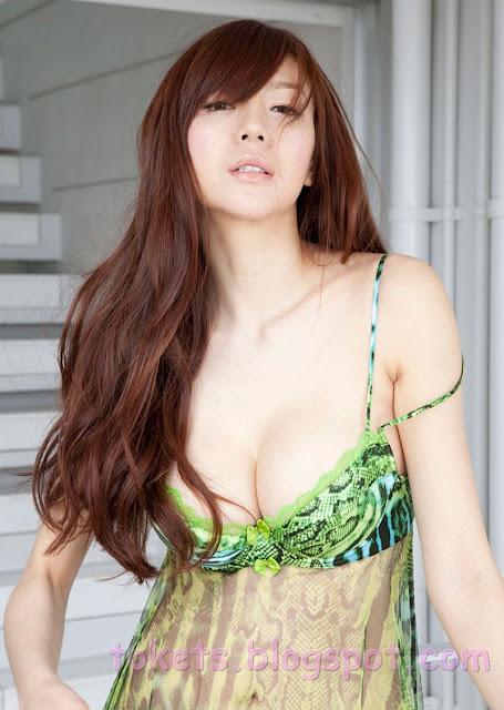 Foto Bugil Oh asyiknya download Gambar ABG Toge Pamer Belahan Dada di ...