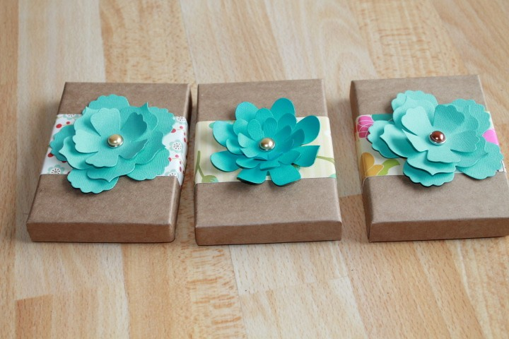 Crazy for paper flower gift card holders since they also came in my favorite kraft heres the turquoise ones i made borrowed debis su flower die and now i need to order one for myself solutioingenieria Image collections