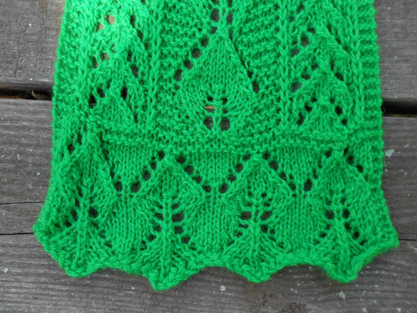 Leaf Knitting Pattern Scarf : Merry Melody Designs: Lacy Apple Leaf Scarf