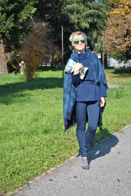 outfit blu come abbinare il blu abbinamenti blu blue total look blu total look mariafelicia magno fashion blogger color block by felym fashion blog italiani fashion blogger italiane blog di moda fashion blogger bergamo fashion blogger milano ragazze bionde outfit autunnali outfit novembre 2015 how to wear blue blue outfit street style fall outfit for girls november outfits fashion bloggers italy street style november lookbook pantaloni skinny blu maglione blu blue skinny pants blue sweater