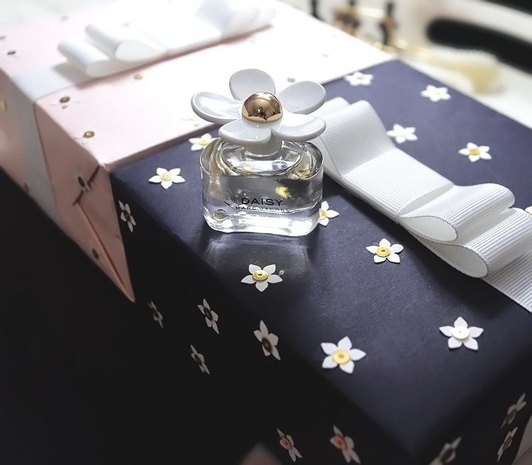 marc jacobs daisy perfume review diy, shayne naidas