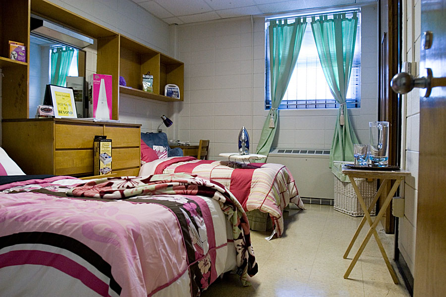 Dorm room survival tips tibsar for Hall room decoration ideas