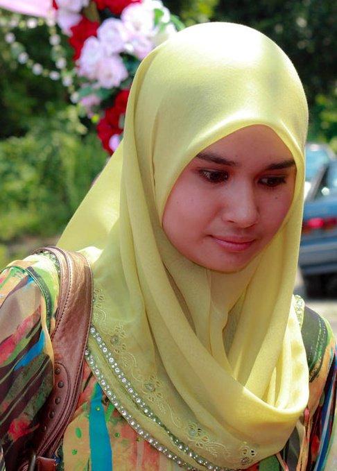 HOT Ngentot Gambar Bogel Aksi Gadis Tudung Melayu Lucah Pic 7 of 35