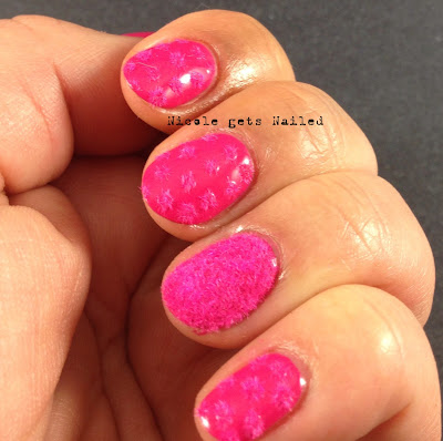 Fuchsia Flocking Powder Dotticure
