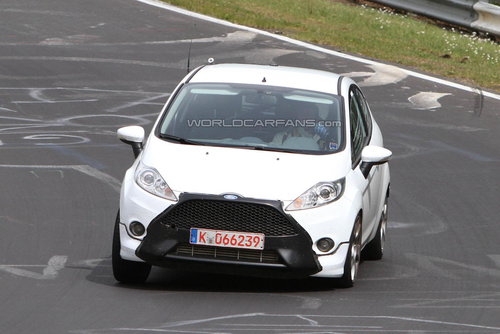 motor mania buzz ford fiesta st test mule spied at the n rburgring. Black Bedroom Furniture Sets. Home Design Ideas