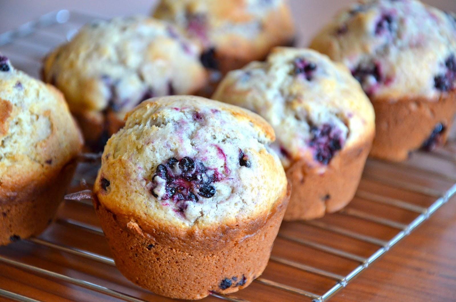 Omnivorous: Blackberry Barley Muffins
