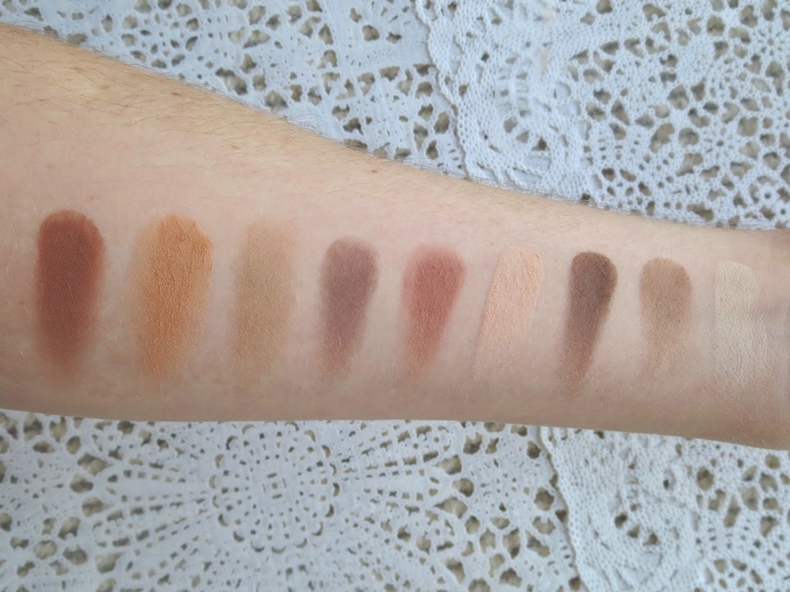 a picture of Too Faced Natural Matte palette (swatch)