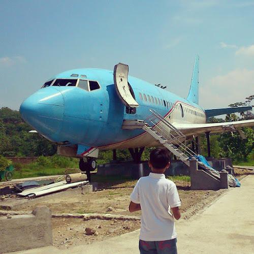 Pesawat di Lembah Kalipancur – Greenwood