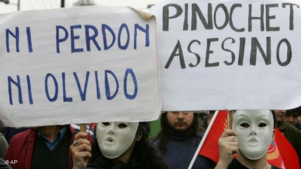 Chile faz exumação dos restos mortais de Allende para esclarecer morte do ex-presidente