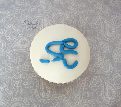 cupcakes de triatlon con fondant - 3