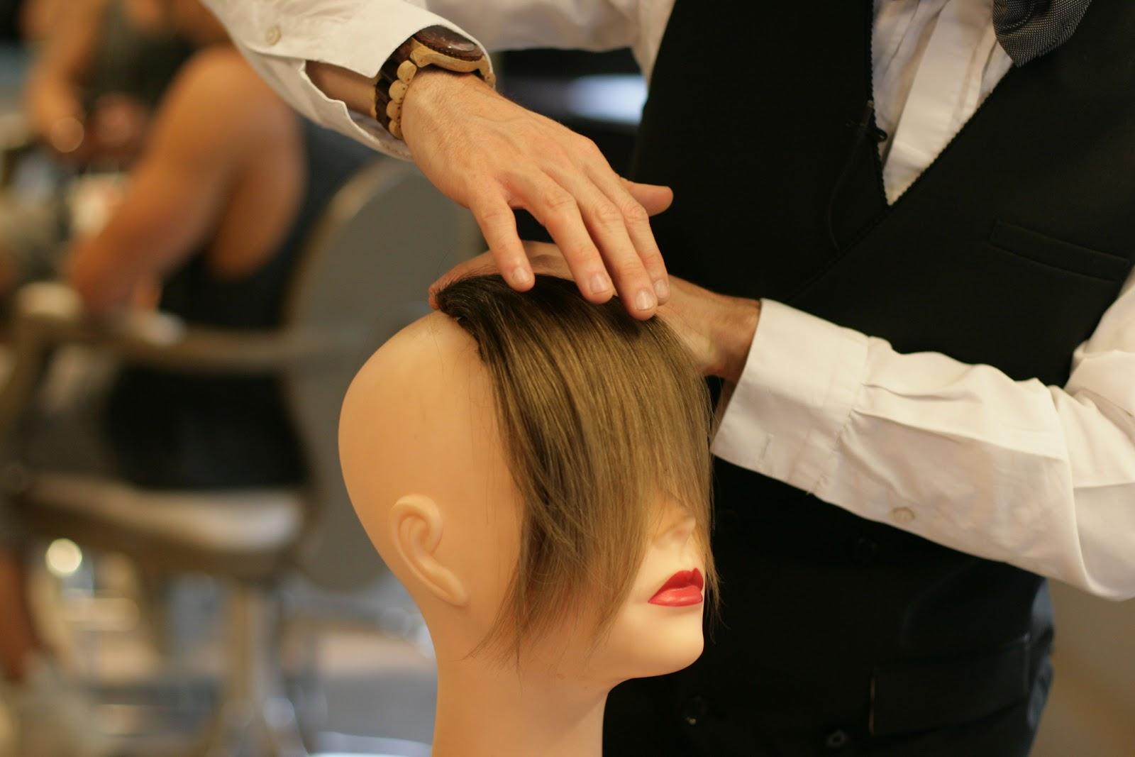 essayage de coupe de cheveux avec sa photo Le site japonais hairtry vous propose d'essayer une nouvelle coupe de cheveux de façon virtuelle uploadez votre photo qui a envie de se relouqueravec.