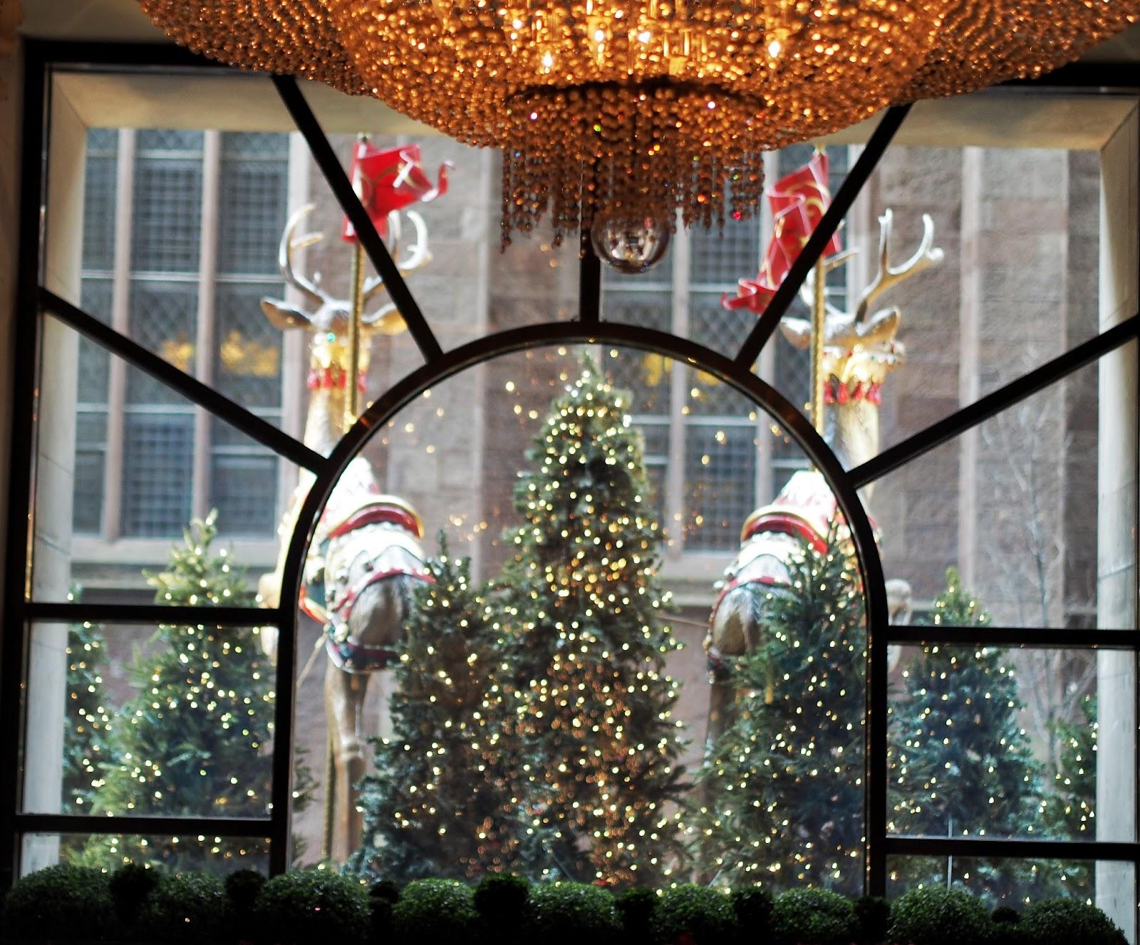 Reindeer #twotinyreindeer #bgwindows #windowwatchers #holidaywindows #5thavenuewindows #NYC  #holidays #besttimeoftheyear #nyc ©2014 Nancy Lundebjerg