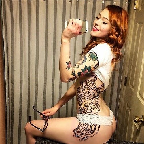Suicide girl : chicas sensuales tatuadas con cuerpos esculturales , diosas con mucha tinta , chicas sexys 1x2