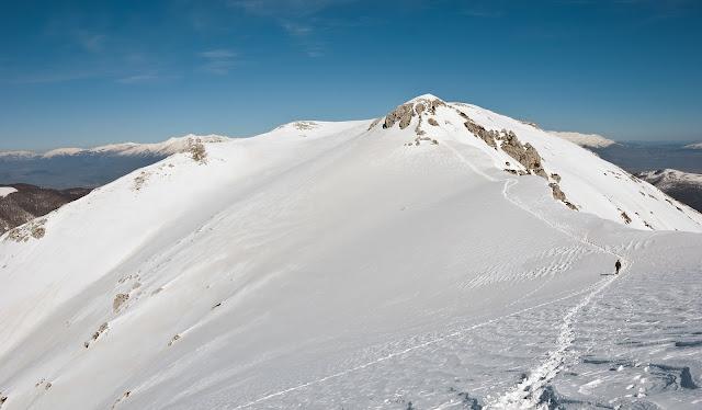 Risalendo verso la vetta più alta del Càntaro