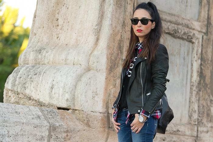 Blogger de Valencia con chaqueta de cuero