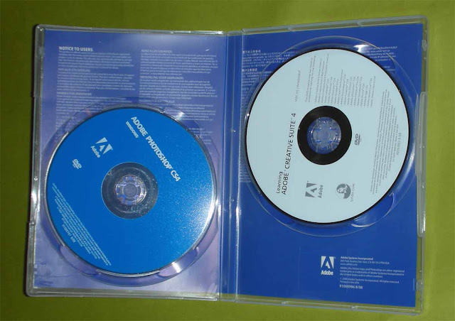 Adobe Photoshop CS4 Extended cover and disc