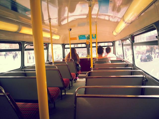 Londra-toplu-tasima-routemaster-inside-2