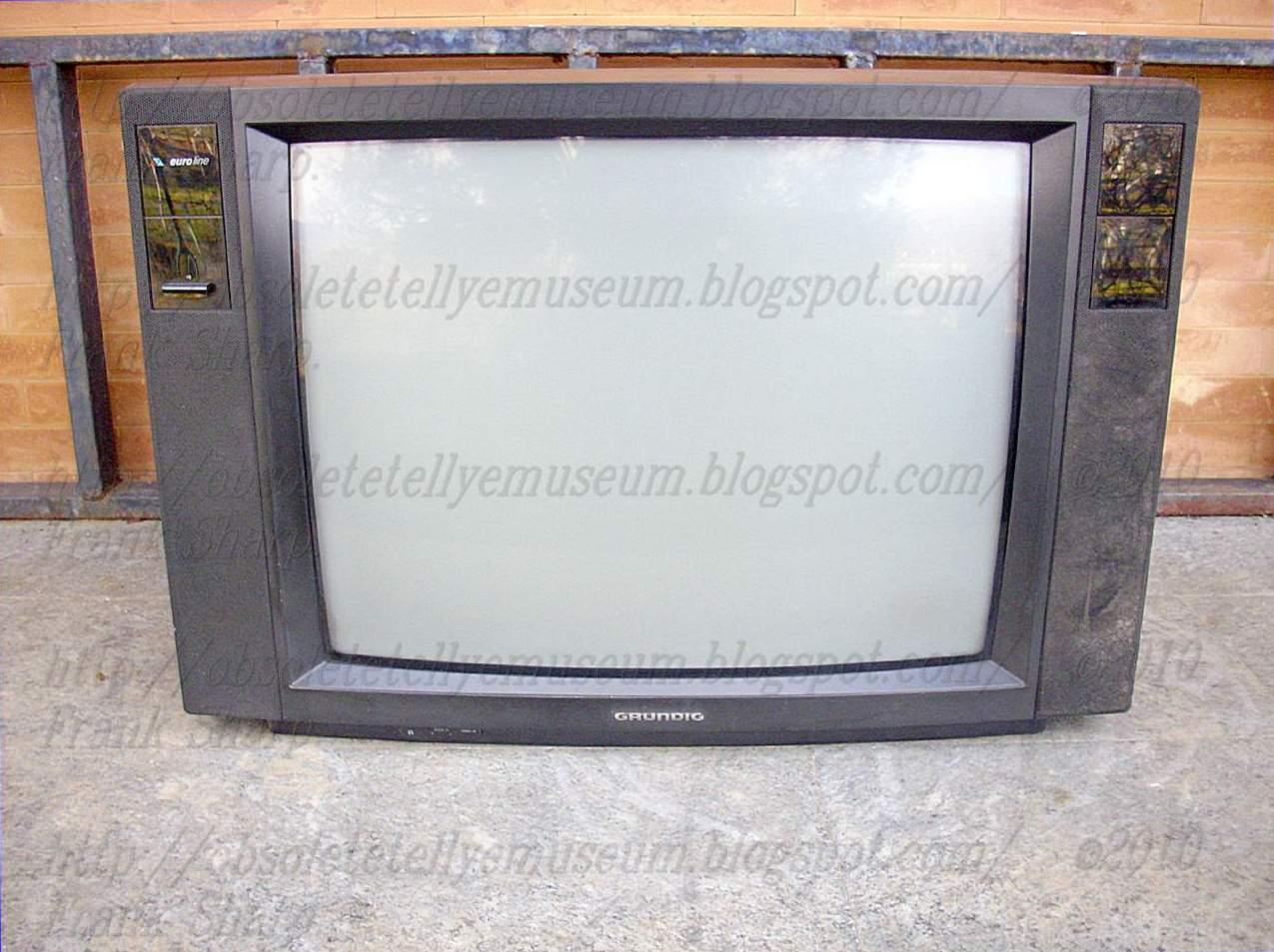 Obsolete Technology Tellye !: GRUNDIG ST70-466 CHASSIS CUC4635 CRT ...