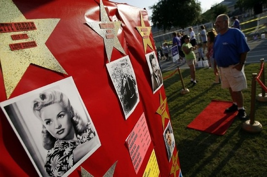 This Naples RFL teamu0027s tent depicts 32 actors and actresses who had cancer during the 15th annual Relay for Life of Naples. What a great idea for a ...  sc 1 st  Cassi Selby & Cassi Selby: Relay For Life campsite ideas!