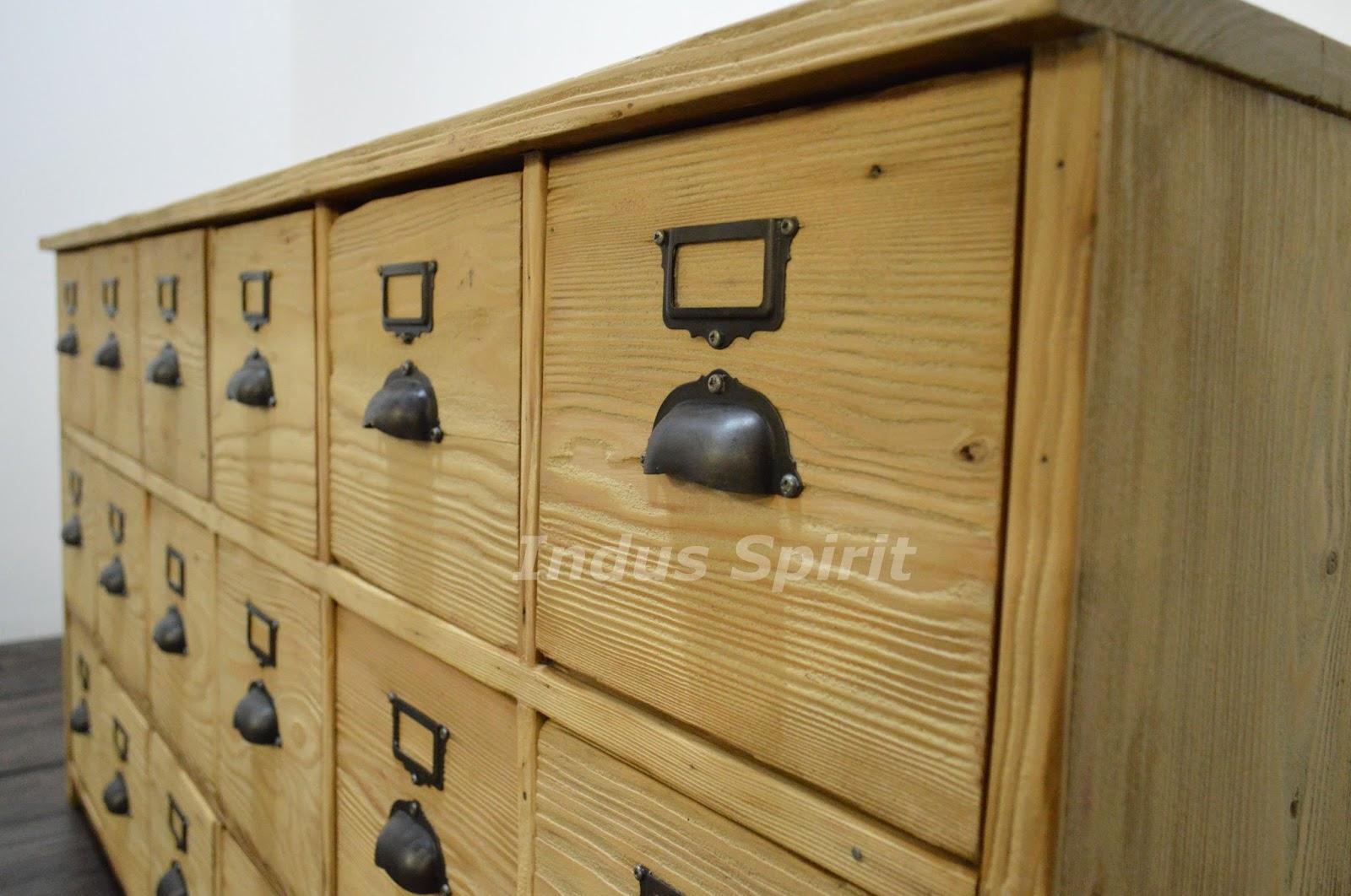 Ancien meuble de m tier for Meuble de metier a tiroir