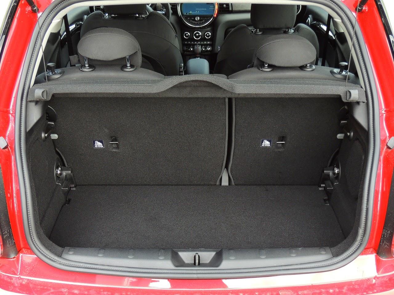 MINI Cooper S - komora bagażnika