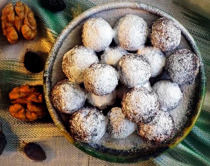 Шарики из сухофруктов и орехов