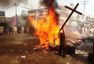 O ódio islâmico contra a Cruz de Cristo