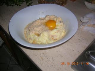 tortina di patate semplice con contorno di  insalata mista