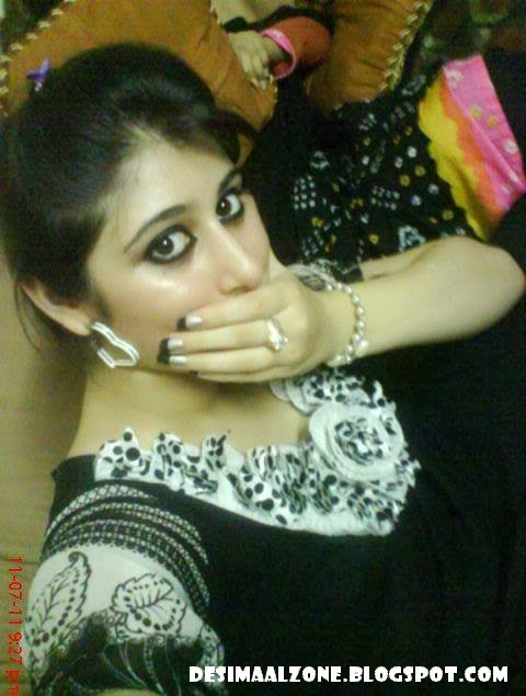 Beautiful Hina Gul Very Cute And SMily