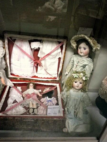 corredo bambola antica