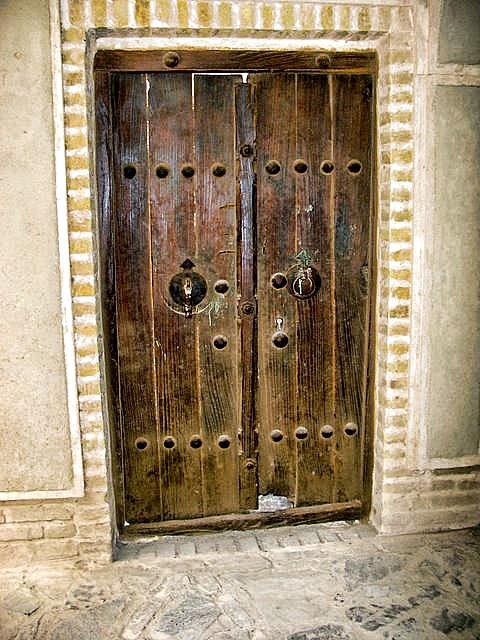 The minimalist designs of old Persian doors & The minimalist designs of old Persian doors   ArtAct