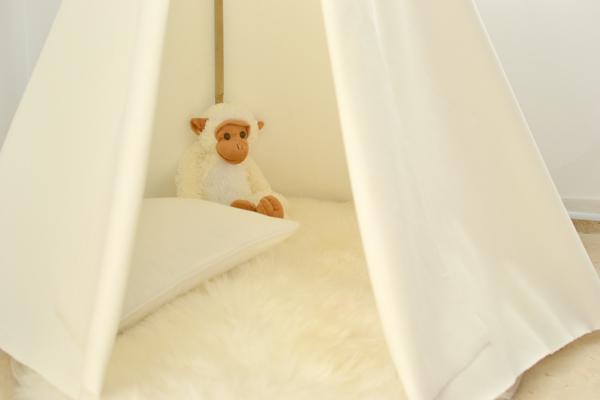 tuto tipi comment fabriquer cette cabane tendance accrodeco. Black Bedroom Furniture Sets. Home Design Ideas