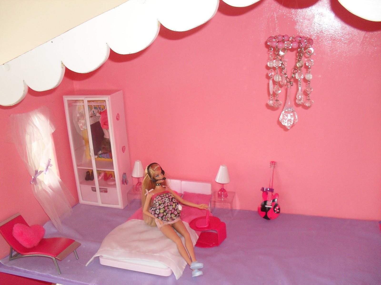Quarto da Barbie. Moveis da Susi #A82338 1600x1200 Banheiro Da Barbie De Papelão