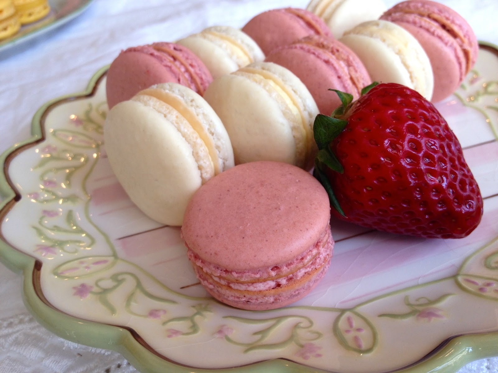 My Favorite Recipes: Strawberry Macarons