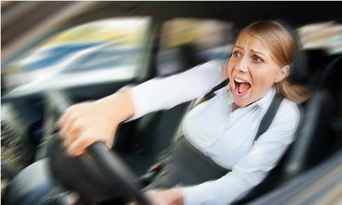 Kinh nghiệm lái xe: xử lý oto mất phanh