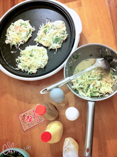 ekiBlog.com: How to make easy okonomiyaki~ :)
