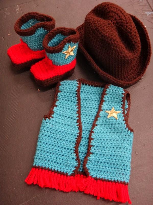 Crochet Mini Cowboy Hat Pattern : Grandma Swills Handcrafted Knits: March 2013