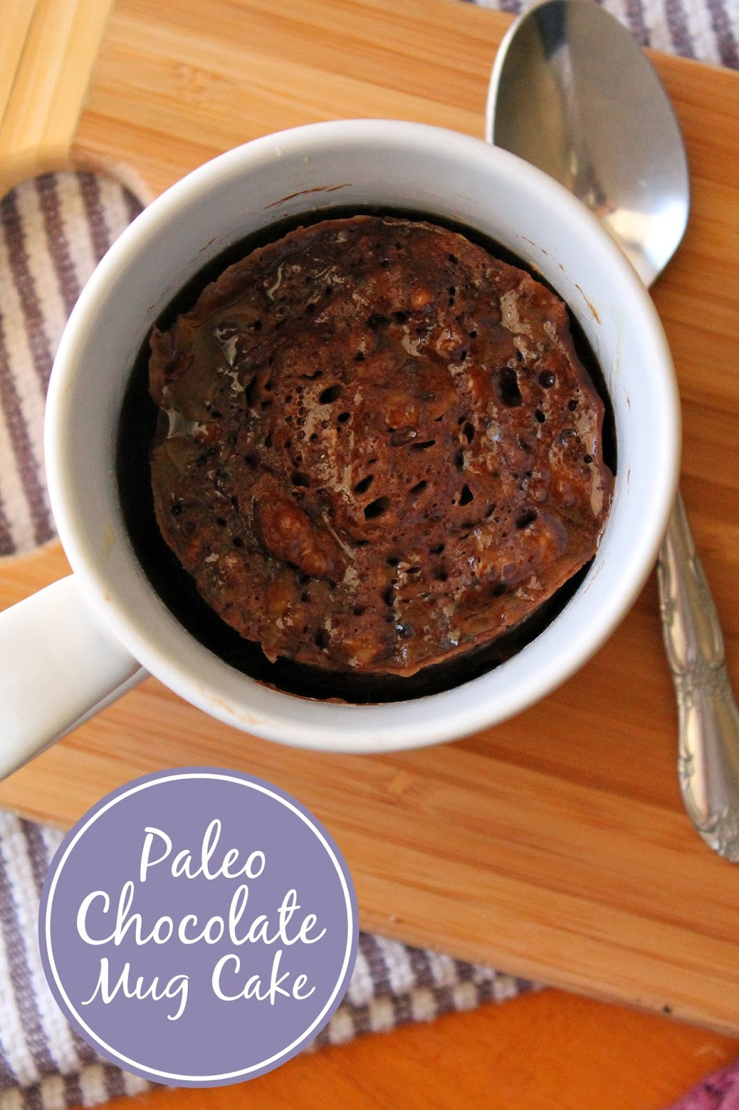 Paleo Chocolate Mug Cake via @LABride