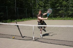 Verkkopeli on olennainen osa siinä kuin takakenttäkin tennispelissä