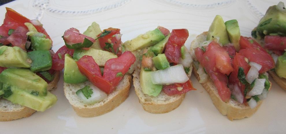 4 the love of feasting: Guacamole Bruschetta