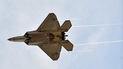 la proxima guerra aviones caza de combate raptor f-22 base de japon eeuu