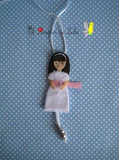 collar-regalo-comunión-muñeca-fieltro