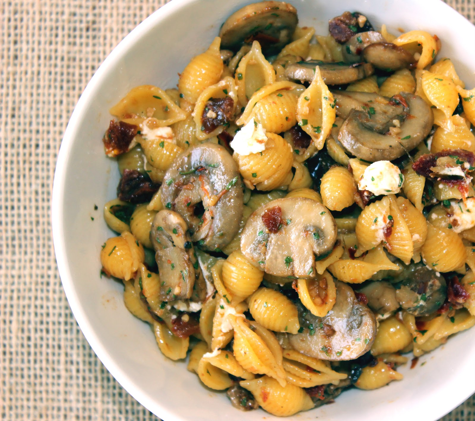 sugar & spice: Portobello and Sun Dried Tomato Pasta Salad