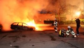 Απόλυτος τρόμος στη Σουηδία – Δεν πάνε πουθενά χωρίς τη συνοδεία αστυνομικών (ΒΙΝΤΕΟ)